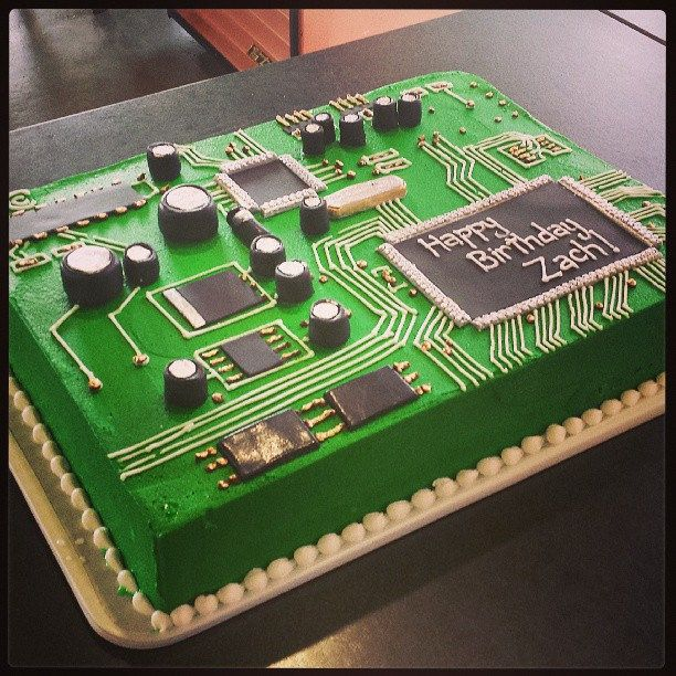 https://flic.kr/p/wbgYkC | Circuit board birthday cake!