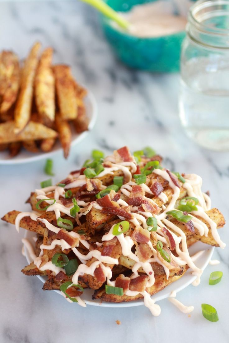 OH my word!! Double-Baked Fries with Garlic Cheese Sauce and Bacon @Heather Creswell Flores Baked Harvest