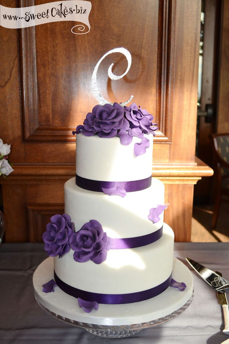 3 tier purple wedding cake purple roses wedding cake 3 tier fondant with purple satin 10239
