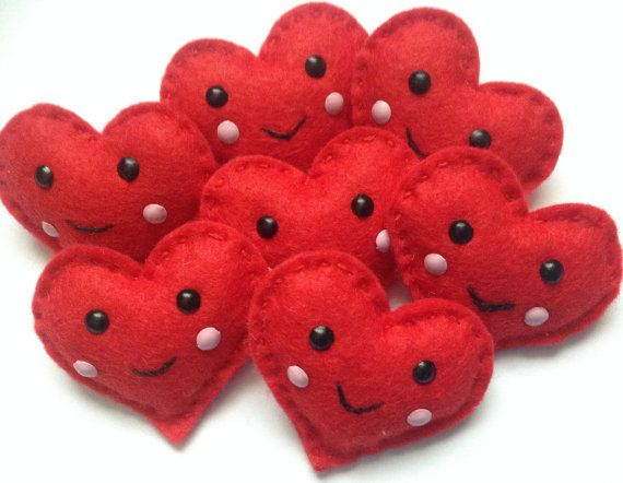 Cute kawaii felt heart brooch valentines by Sewkidding on Etsy