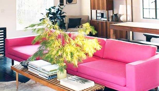 arredare con un divano rosa