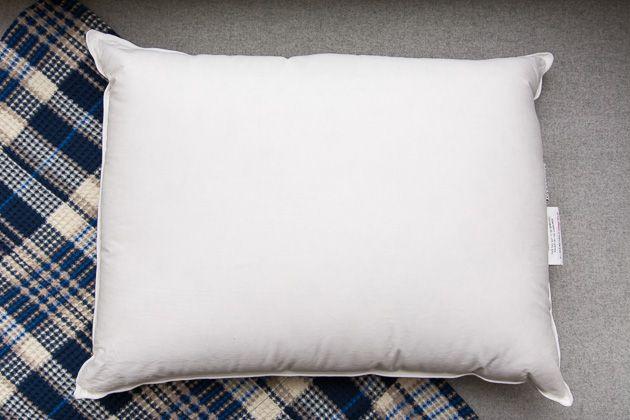 bed-pillows-9024-parachute-firm-down