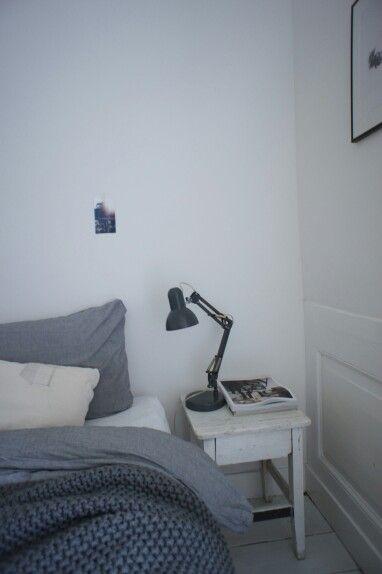Minimalist bedroom via www.maisonlapin.nl