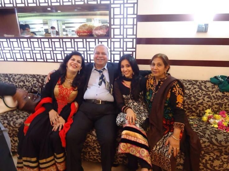 Pashmeen with in-laws