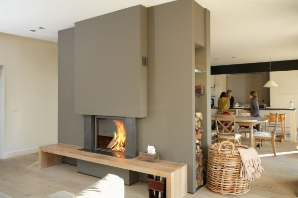 Alternative fire place in the middle of the room