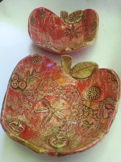 The Skillful Bee: Ceramic Apple Bowls
