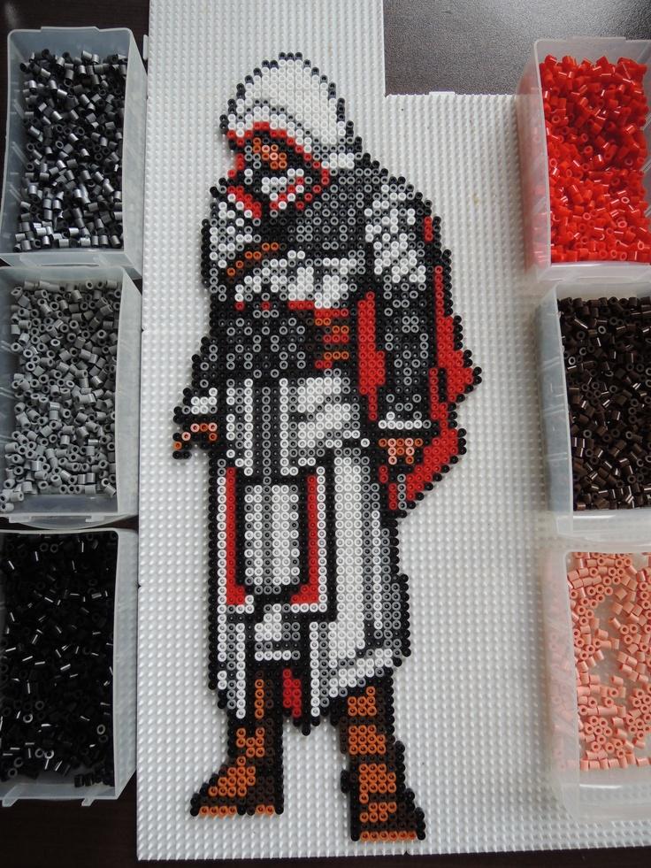 Assassin's Creed aus Bügelperlen  Perler Beads by Baumberger Entdecker