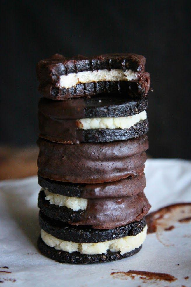 This Rawsome Vegan Life: PEPPERMINT OREOS DIPPED IN DARK CHOCOLATE