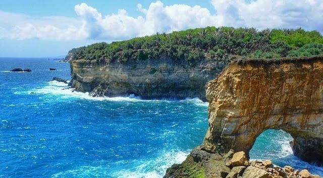 Pantai Karang Bolong Pacitan Beautiful Beautifulplace