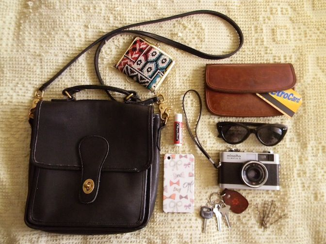 What's in my bag vintage coach bag