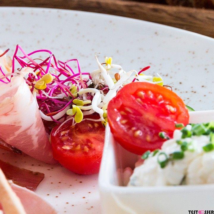 Samstag ist Brunchtag  Inspiration für das (späte) Frühstück findet ihr in der Kategorie BRUNCHEN IN GRAZ im Blog! #brunch #frühstück #wochenende #samstag #foodgasm #foodpic #instafood #foodies #foodie #foodshot #foodstagram #instafood #photooftheday #picoftheday #testesser #graz #steiermark #austria #igersgraz #grazblogger #blogger_at #instagraz