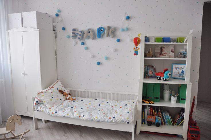 Детская комната мальчика; для двоих детей; скандинавский стиль; икея IKEA; белый