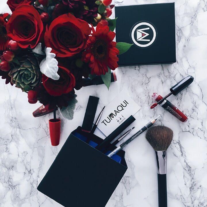 En el mes de septiembre Tumaqui te llevo lo mejores productos del mes en su #tumaquibox descubre los mejores productos en la caja del mes de octubre suscribiéndote a los planes en tumaqui.com - #Tumaqui #makeup #makeupfan #belleza #beautytips #beautygloss #Maquillaje #Brillo #beautycare #makeuplover #MaquillajeParaSiempre #lips #lipstick #MaquillajeParaTi #glossy #labial #CuidadoDeBelleza #beautyguru #Maquilladora #beautytips #ParaTi #instamakeup #beauty #beautyblogger #makeupartist…