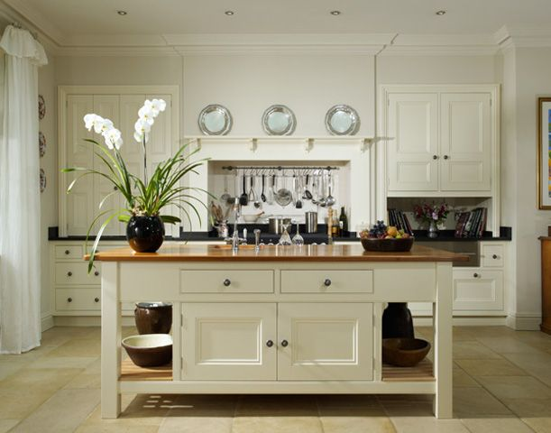Edwardian rectory handmade kitchens traditional for Edwardian kitchen