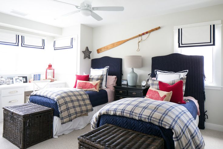 Boat house twin bedroom boyish for 5 grandsons without for Blue and white boys room
