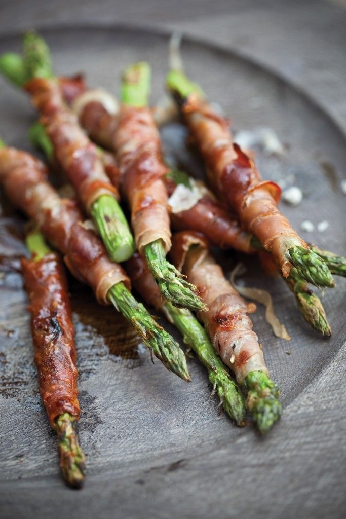 Prosciutto-Wrapped Asparagus Spears. On the BBQ.