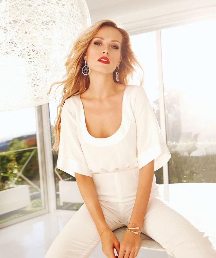 "Petra Nemcova - ""Modern Luxury Angeleno"" Photoshoot : Global Celebrtities (F) FunFunky.com"