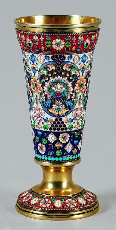 FABERGE - Heavy enamelled cup :Gilded and enamelled. 88 Zolotniki. Master Fedor Rückert. Weight about 520 g, H. 20,5 cm. Since 1887, Rückert worked for Fabergé