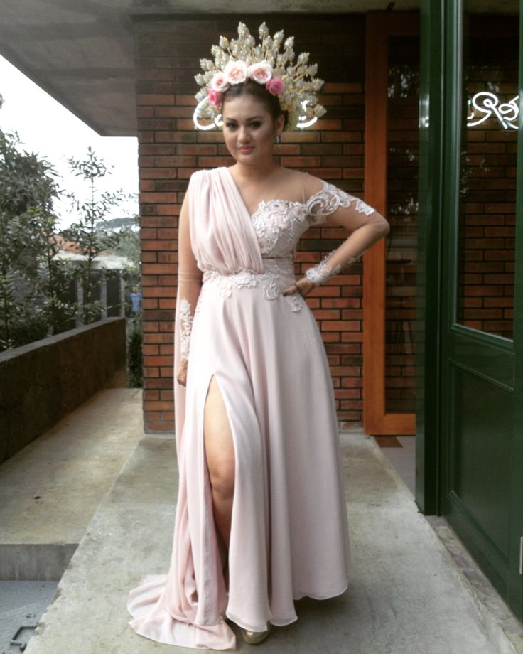 Windy Chaniago wedding dress by Crazy No Play by Me