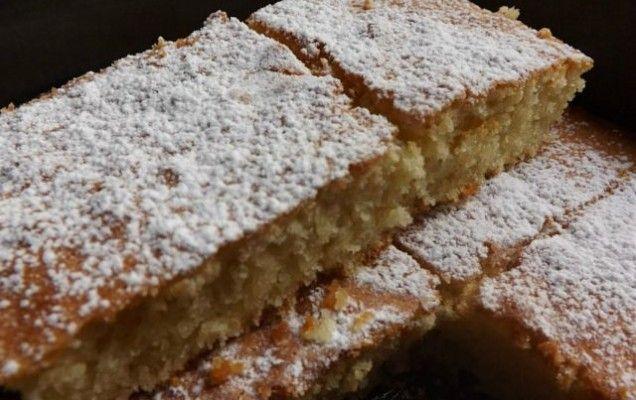 Εύκολη αμυγδαλόπιτα-κέικ