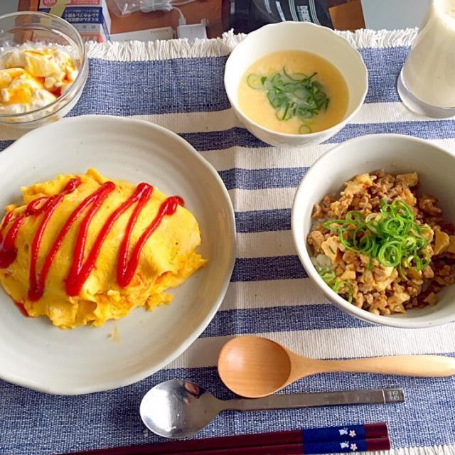 どれもおいしくできたーෆ⃛(°´˘`°) - 18件のもぐもぐ - オムライフ&厚揚げひき肉丼&パンナコッタ&卵スープ&バナナジュース by ukachaon
