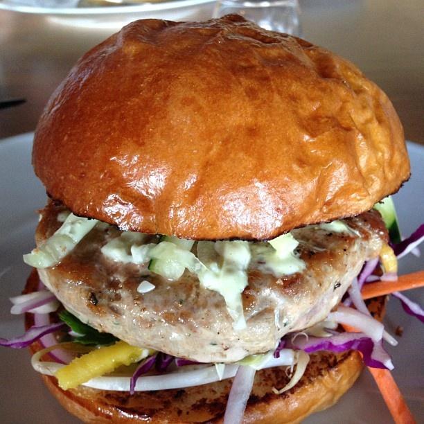 .@kbellbombshell | Tuna tartar burger! #PoshBurger mmmm #fitfluential #eat #eatclean #proof #pro... | Webstagram - the best Instagram viewer