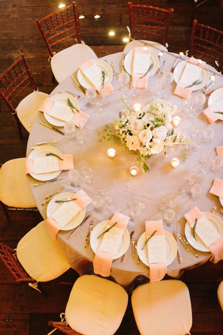 Round Table Decoration 17 Best Images About Round Table Centerpieces On Pinterest