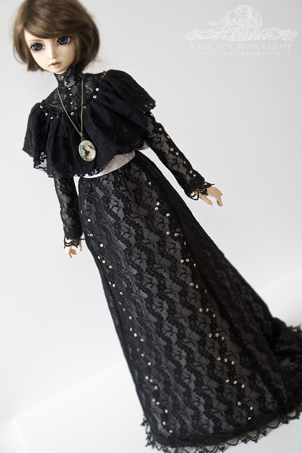 https://flic.kr/p/DjLUsd | . La Belle Époque . | New outfit made by me ^^  'La Belle Époque' Edwardian outfit for SD/Feeple sized girls  Edwardian style outfit made of beautiful black lace, lined with ivory lining, decorated with golden, metal sequins and exquisite venice lace at the sleeves and hem. Underneath an ivory cotton petticoat, decorated with cotton lace and embroidery lace, a tiny pad to add to the shape at the back. Lovely flower patterned ivory ribbon to tie around the waist…