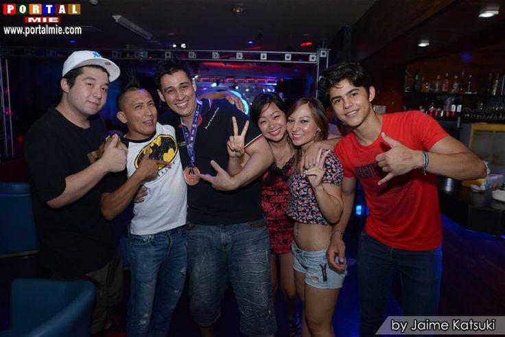 Fotos da Saturday Night Fever na Joker Live Hall na cidade de Handa (Aichi), confira!!!