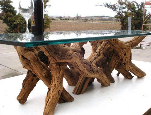 Tree trunk table with glass top d e s i g n m e for Tree trunk dining table