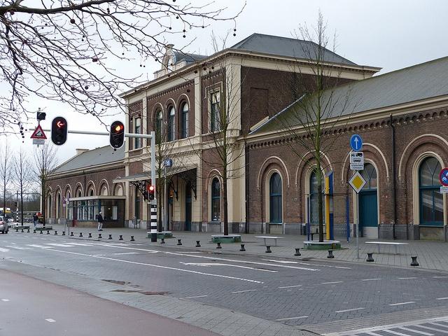 middelburg holland leiden train stations dutch trains the nederlands language netherlands accommodation