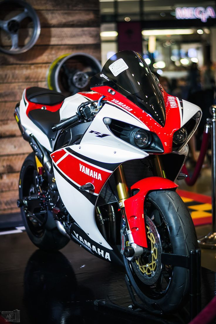 YAMAHA R1 by MTR Photography - Photo 62796821 - 500px