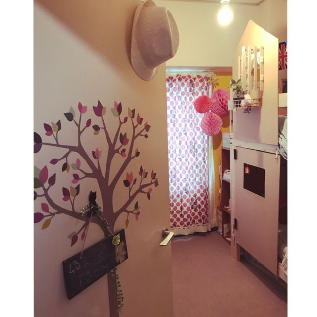 peri.さんの、ハニカムボール,J COLOUR,ヴィンテージマンション,フェイクグリーン,ピンクインテリア,二段ベッドdiy,pink♡,黄色い壁,Bedroom,のお部屋写真