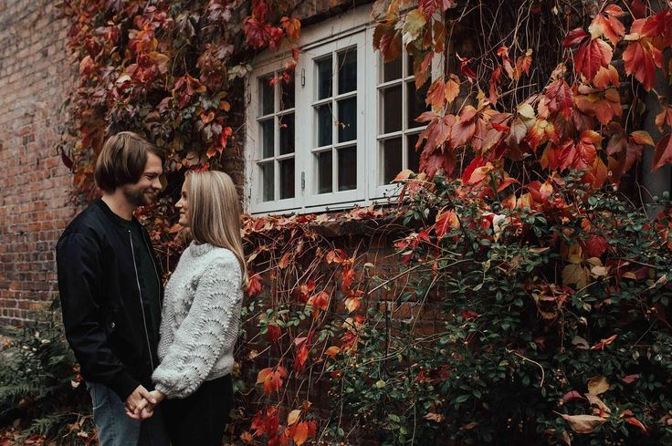 Check my blog to get some tips on podcasts to follow And please tell me what your favourites are I cant get enough . . . . . . . #bryllupsfotograf #bryllupsinspirasjon #blikkfangerne #nordicbride #lookslikefilm #junebugweddings #norwegianwedding #dittbryllup #mittbryllup #elopement #norwegianweddingblog #nordiskebryllup  #bryllupsfoto #destinationweddingphotographer #outdoorwedding  #HuffPostIDo #bohemianbride #bohobride #wildbride #meaningfulwedding #weddinginspo #osloengagement…