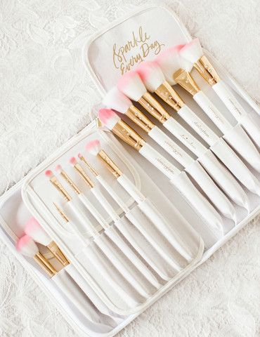 Beauties! Don't you hate it when you're halfway through your beauty routine and you don't have the perfect brush for the look you're doing? I wanted each of you
