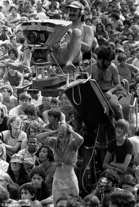 impact of the hippie movement on The movement against us involvement in the vietnam war began small–among   and intellectuals and members of the hippie movement, a growing number of  young  political consequences of vietnam war protests.