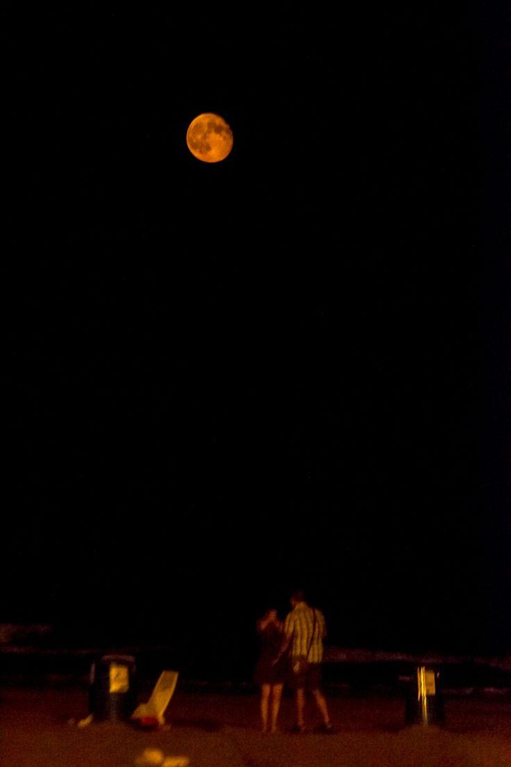 Amor bajo la luna by Diego Moreno Delgado on 500px