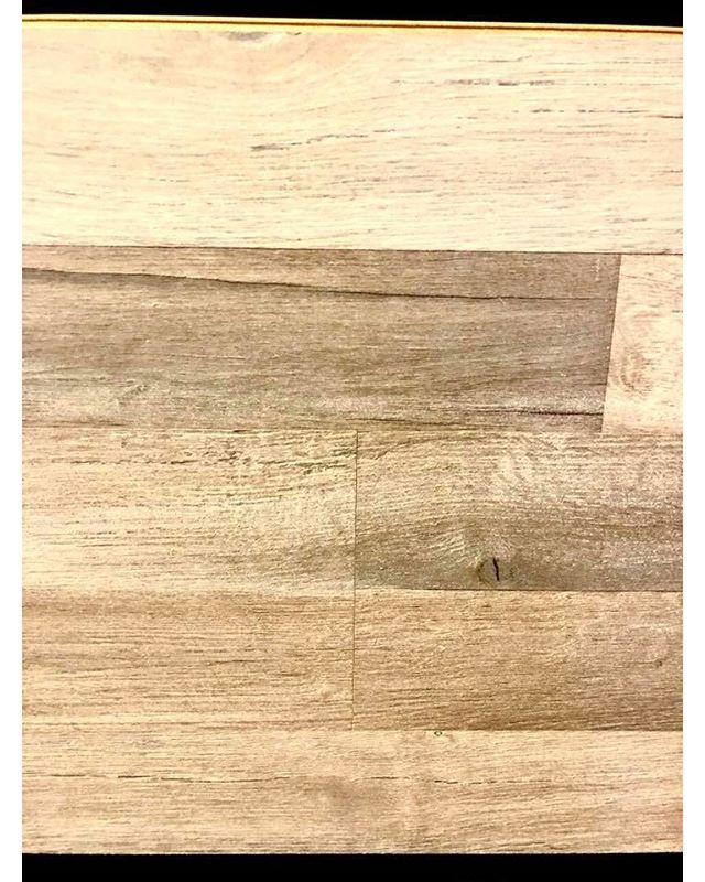 The soft and beautiful Oak Vancouver floor by Richmond Laminate.