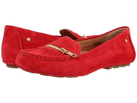 Red loafers. With zipper as decoration. Yes! Ugg Davina in Red Lipstick.