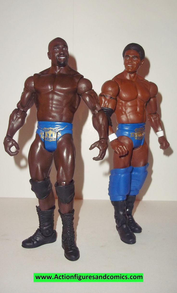 Wrestling WWE action figures TITUS O'NEIL & DARREN YOUNG battle packs 21 mattel