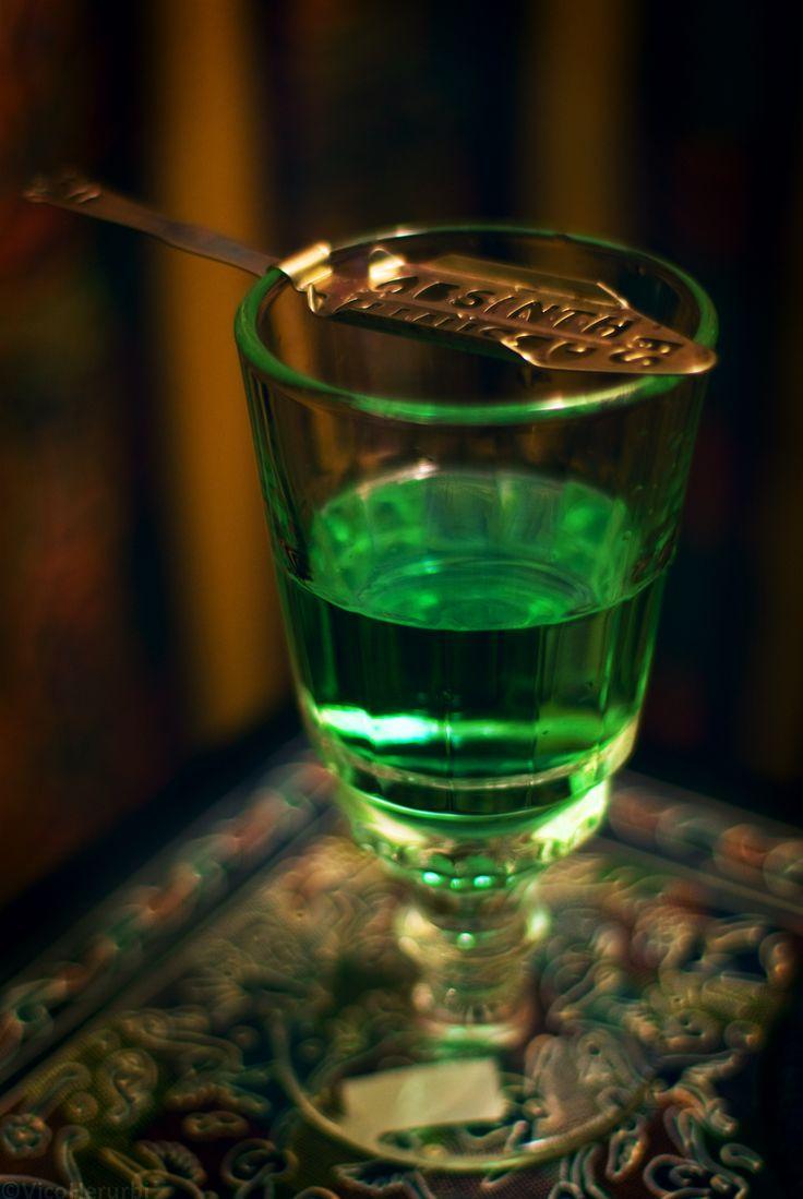Пьющий абсент картинки