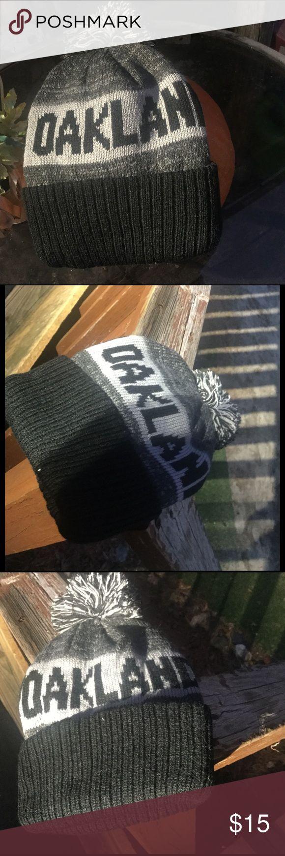 NWOT Oakland Raiders Beanie NWOT Oakland Raiders Beanie Accessories Hats