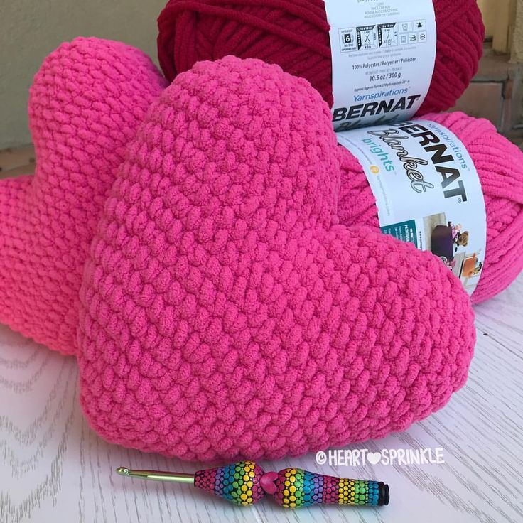 357 best valentine crochet images on Pinterest | Crochet hearts ...