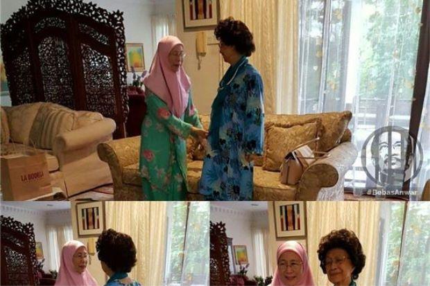 Akhirnya Tun Siti Hasmah dan Datuk Seri Wan Azizah bersemuka semula selepas 18 tahun   Presiden PKR Datuk Seri Wan Azizah Wan Ismail menerima kunjungan Tun Dr Siti Hasmah Mohamad Ali untuk makan tengah hari bersama di rumah beliau di Segambut pada Jumaat.  Tun Siti Hasmah dan Datuk Seri Wan Azizah  Dr Siti Hasmah yang merupakan ister bekas Perdana Menteri Tun Dr Mahathir Mohamad ditemani bekas timbalan ketua Umno Batu Kawan Datuk Seri Khairuddin Abu Hassan semasa pertemuan itu yang…