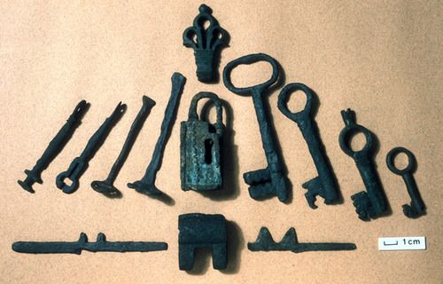 Locks and keys like this were made by Vikings living at Jorvik (York) in the AD 900s.