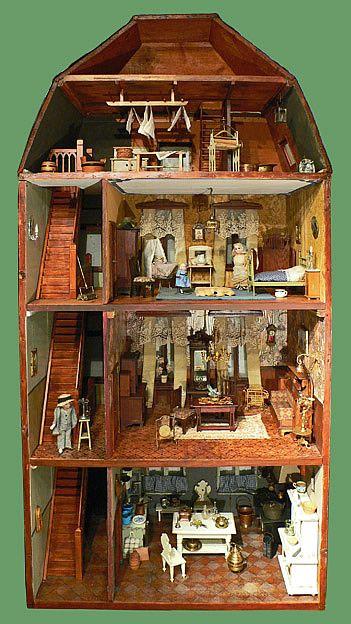 de poppenhuizen van dick en lia, Beautiful four story antique dollhouse.  .....Rick Maccione-Dollhouse Builder www.dollhousemansions.com