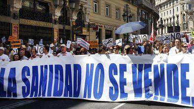 La justicia paraliza de nuevo la privatización sanitaria madrileña