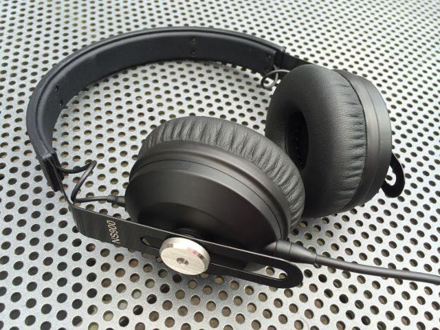 Gearjunkies.com: NOCS NS900 Headphone - Gearjunkies Review