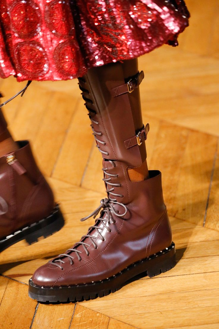 Valentino Fall 2017 Ready-to-Wear Accessories Photos - Vogue