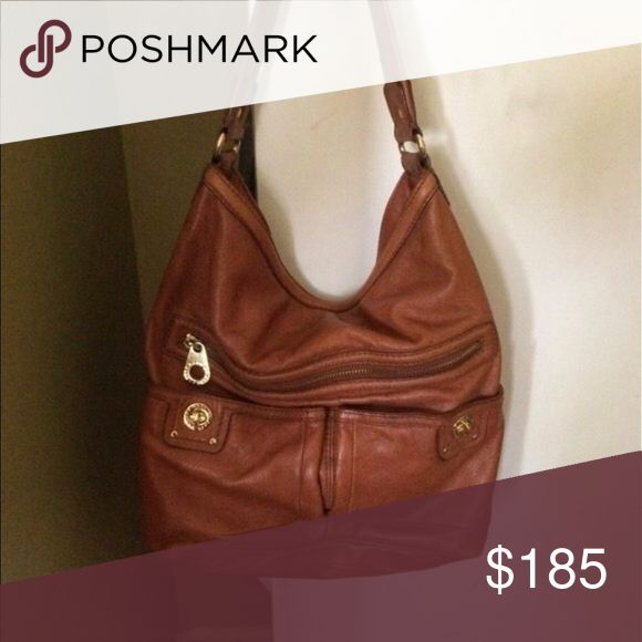 Marc Jacobs hobo bag Soft brown leather. Single big pocket. One medium size pocket w zipper on the front as well as Two smaller pockets. Perfect condition. Totally turnlock faridah Marc By Marc Jacobs Bags Hobos